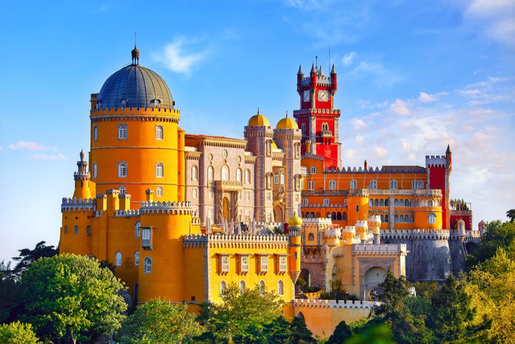 Cieple zimowe destynacje w Europie, Pałac Pena Sintra